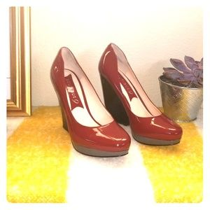 Patent leather platform shoes
